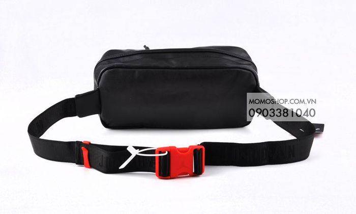 Túi đeo chéo nam phong cách Hàn Quốc bn512 đen