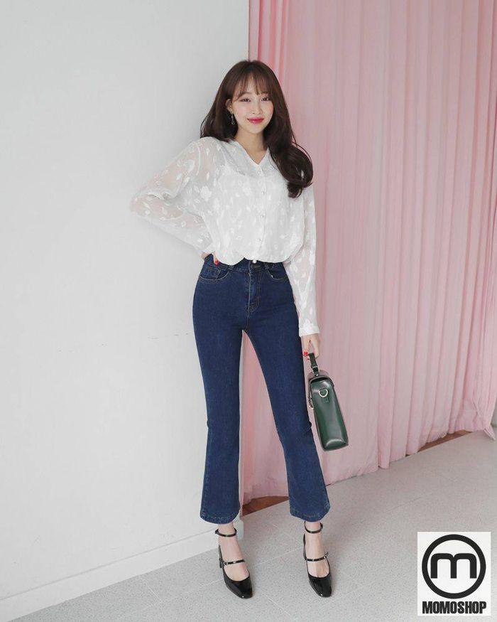 Hơn nữa, khi sử dụng áo sơ mi phối với quần jean nữ, kết quả từ trang phục sẽ vô cùng ấn tượng và mới mẻ.