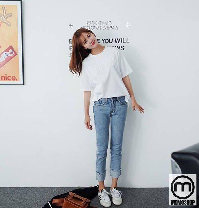 Áo thun - Một công thức với quần jean nữ đơn giản và năng động