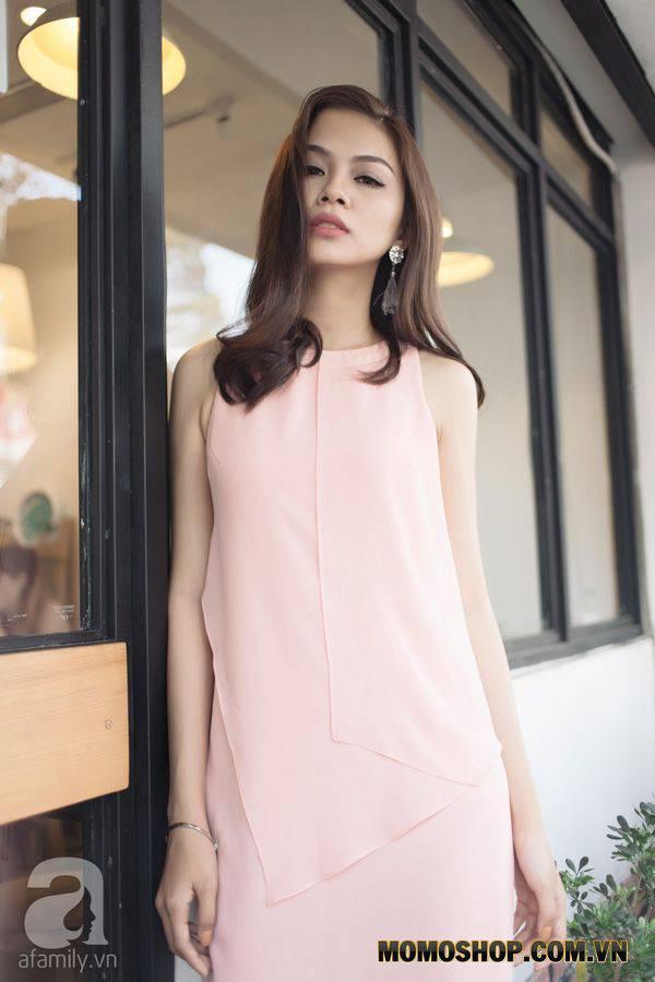 Những chiếc váy màu pastel với viền trang trí đơn giản nhẹ chắc chắn sẽ khiến bạn trở thành cô gái nổi bật nhất sau cô dâu.