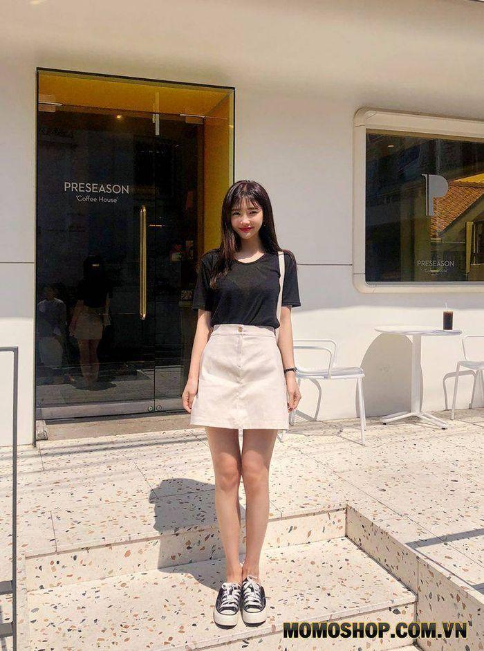 Mix Phong cách Đơn giản Váy mini dress + áo thun basic