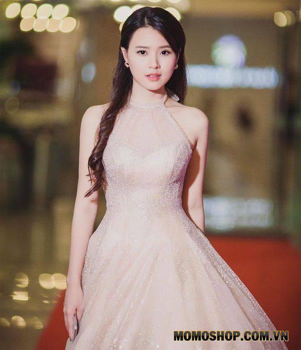 Mix Đầm áo công chúa lộng lẫy + giày cao gót