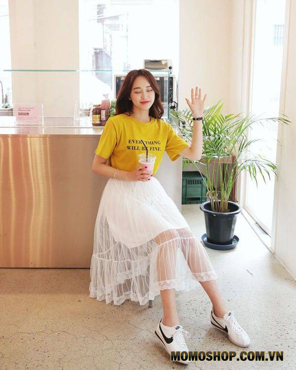 Mix Váy ren thanh lịch sang trọng + giày bata