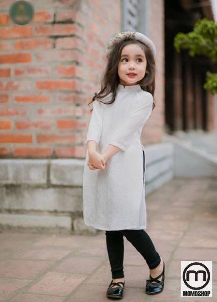 Mix đồ cho bé với áo dài duyên dáng