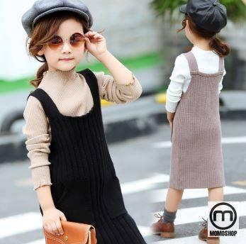 Có những bộ quần áo đơn giản, nhưng khi trẻ mặc quần áo