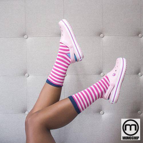 Crocs & Socks – Cặp đôi cool ngầu, cá tính