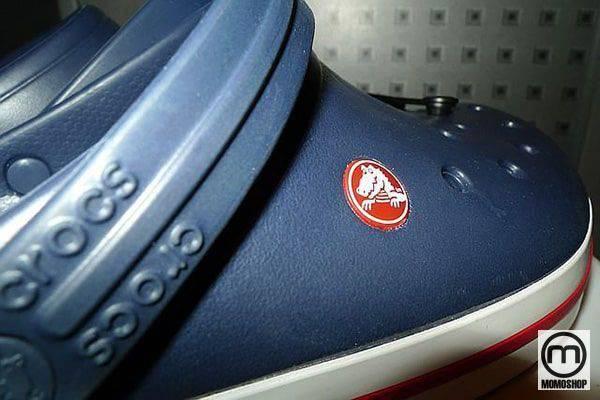 Những dấu hiệu của giày Crocs chính hãng