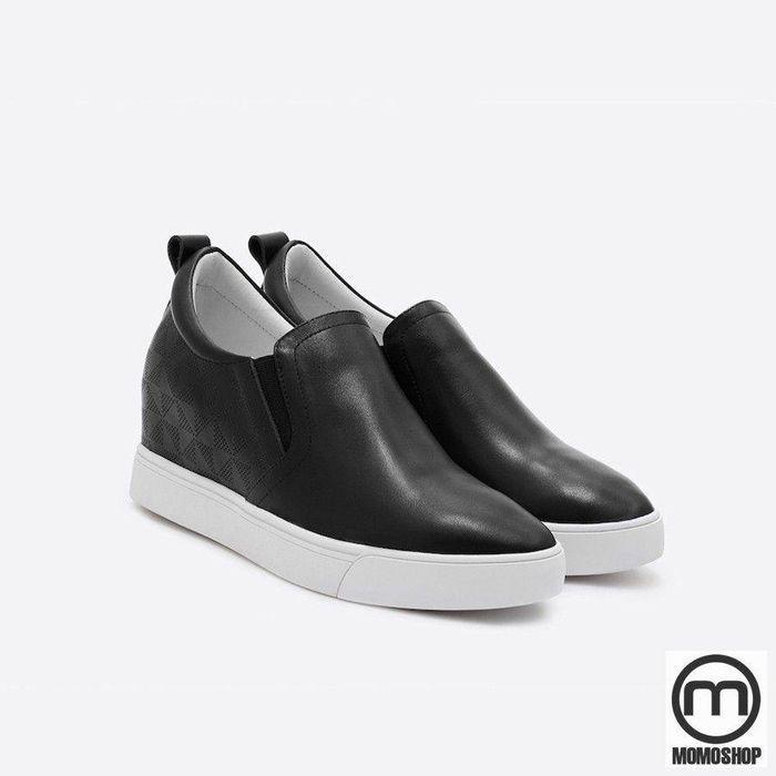 Giày Slip on Mango - Thời trang đường phố rất được yêu thích