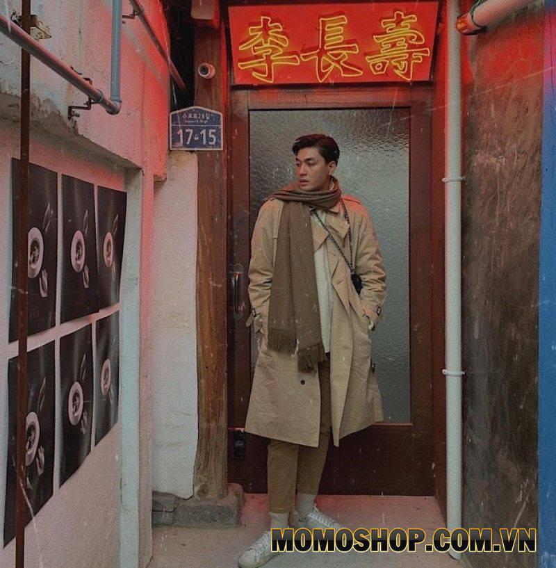 Nam người mẫu Quang Đại cũng yêu thích tông màu be này. Nếu bạn theo dõi anh chàng này, bạn sẽ thấy rằng hầu hết các bộ đồ của anh ta đều có ít nhất một món đồ màu be.