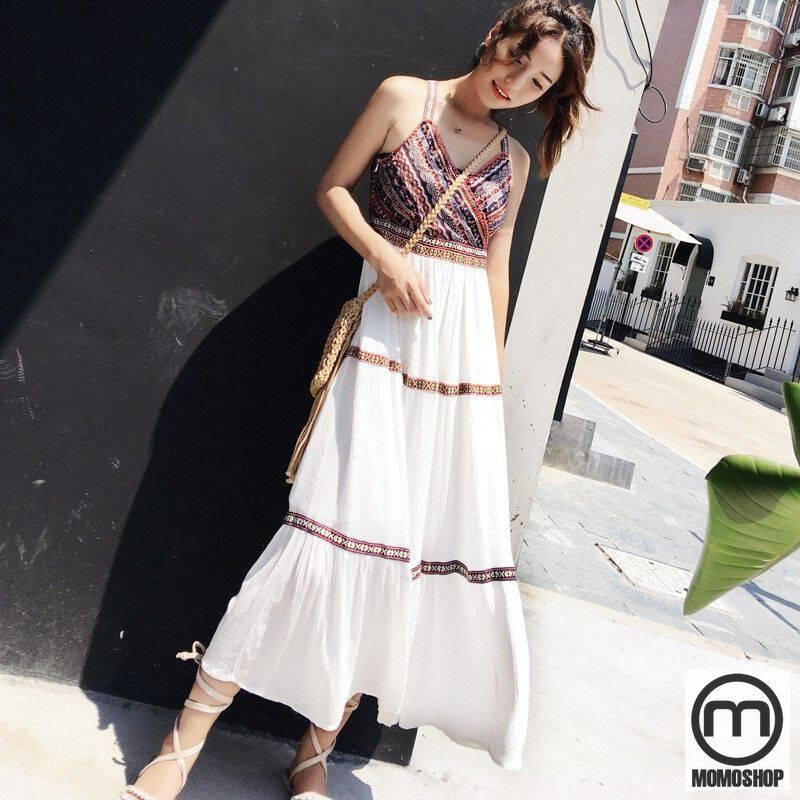 Mix đồ theo phong cách Vintage với váy hai dây có hoạ tiết thổ cẩm độc đáo