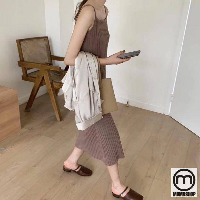Chiếc váy này cực kỳ tôn dáng cho các cô gái, có thể mặc một chiếc áo blazer mỏng rất phù hợp với thời tiết mát mẻ.
