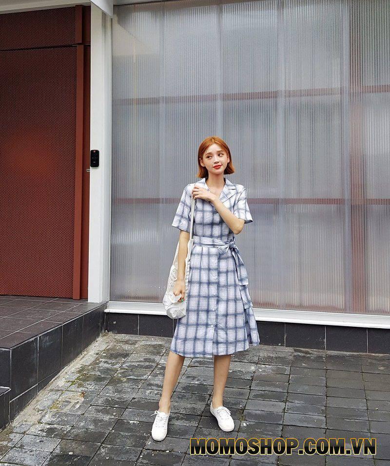 Váy kẻ thắt eo - Họa tiết không cầu kì, dễ mặc