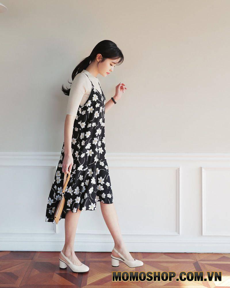 Áo thun + váy hoa 2 dây - Cách mix đồ loại bỏ khuyết điểm cho người gầy