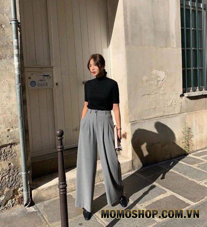 Kết hợp quần culottes màu ghi cùng với áo đen
