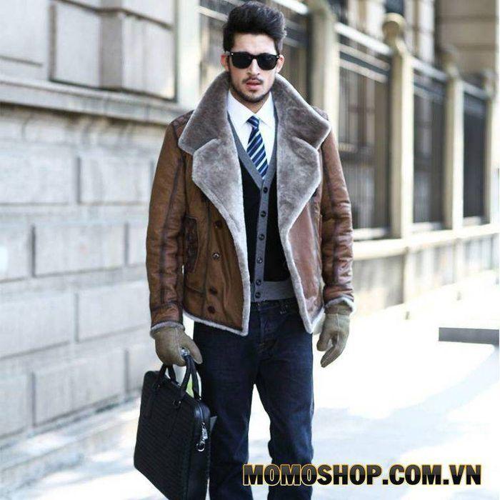 Quần và áo nam bắt đầu chạm vào các kệ thon theo cách họ thường mặc ngày nay