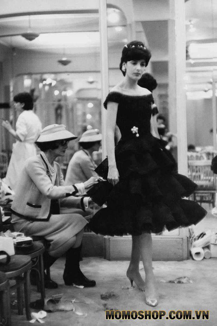 """Đầm đen """"Little Black Dress"""" - Làm thay đổi thế giới thời trang"""