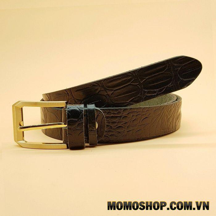 Chọn màu thắt lưng kim loại nam phù hợp với màu quần áo và giày của bạn