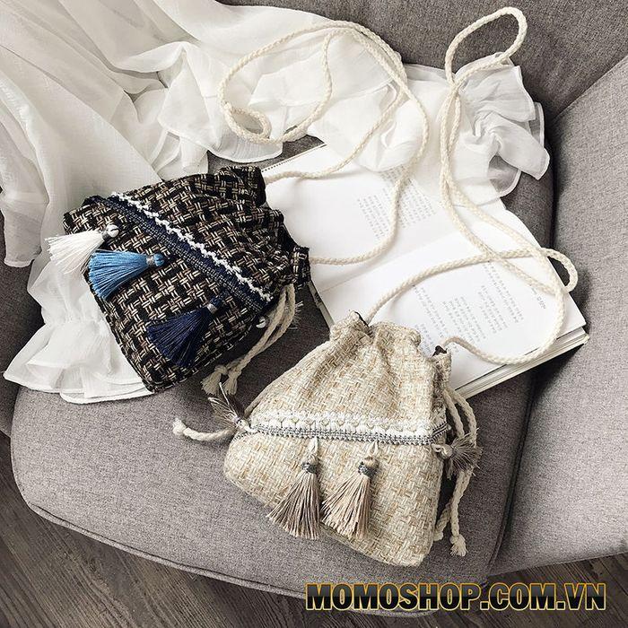 Chọn túi đeo chéo nữ theo màu sắc