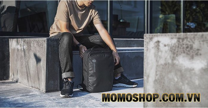 Balo laptop Tomtoc Premium Lightweight Business Corner Armor